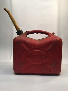 Vtg Scepter Red Plastic 5 Gallon Gas Can W Spout And Cap Heavy Duty pre Ban