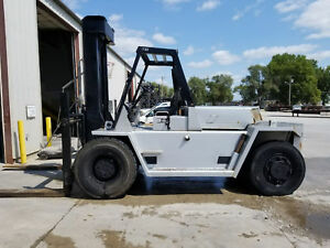 30 000lb Capacity Cat V300 Air tire Forklift For Sale