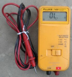 Fluke 7 600 Automatic Electrical Tester Multimeter With Leads Volts Ohms Ac Dc
