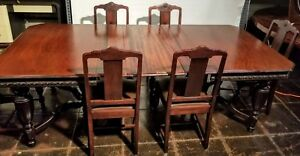 C 1920 Spanish Revival Dining Suite Table With 4 Leaves And 6 Dining Chairs