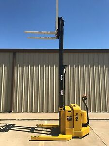 2004 Yale Walkie Stacker Walk Behind Forklift Straddle Lift Only 2274 Hours