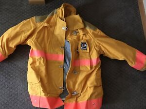 Chieftain Firefighter Turnout Coat Size L Model 35m Brand New Never Used