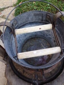 Vtg Galvanized Metal Mop Bucket Pail Wood Wringer Foot Pedal 11 Tall 12 Dia