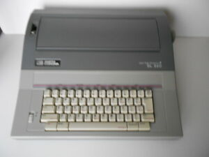 Smith Corona Sl560 Portable Electronic Typewriter W key Cover Manual Vgc