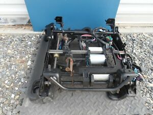 07 08 09 10 11 12 13 Chevy Avalanche 8 Way Power Seat Track Driver