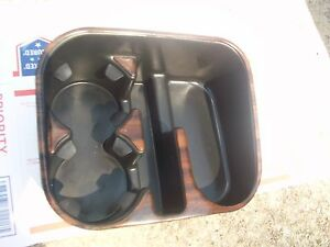 03 04 05 Chevy Silverado Suburban Tahoe Console Cupholder Cup Holder 2004 2006