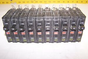 10 Square D 20 Amp 1 Pole 120 240 Vac Bolt On Circuit Breaker Qob120 Lot Of 10