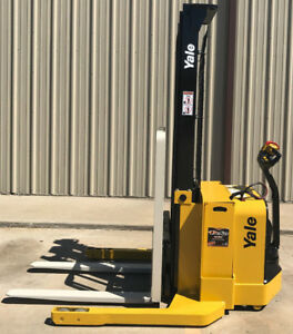2012 Yale Walkie Stacker Walk Behind Forklift Straddle Lift Only 2557 Hours