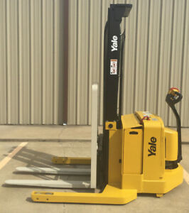 2003 Yale Walkie Stacker Walk Behind Forklift Straddle Lift Only 4804 Hours