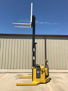 2005 Yale Walkie Stacker Walk Behind Forklift Straddle Lift Only 4117 Hours