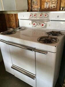 Vintage Maytag Dutch Oven Stove