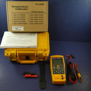 New Fluke 714b Temperature Calibrator Hard Case Original Box