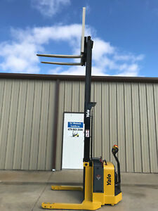 2010 Yale Walkie Stacker Walk Behind Forklift Straddle Lift Only 184 Hours