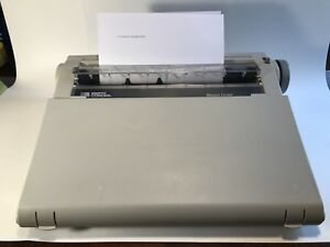 Vintage Smith Corona Typewriter Electric And Portable With Cover Na1hh