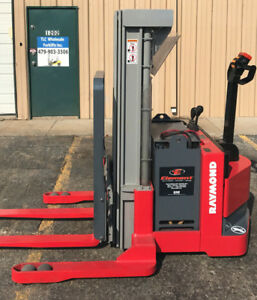 2004 Raymond Dsx40 Walk Behind Forklift Straddle Lift Very Nice Triple 150