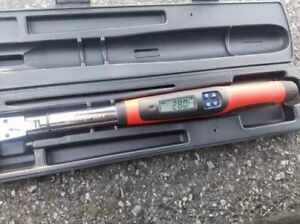 Snap On Digital Torque Wrench 3 8 Drive Techwrench 5 100 Ft lbs Tech2fr100