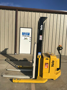 2006 Yale Walkie Stacker Walk Behind Forklift Straddle Lift only 1645 Hours