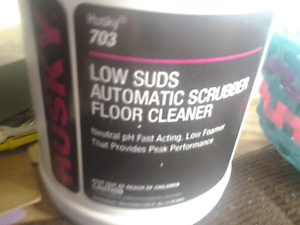 Canberra Husky 703 Low Suds Automatic Scrubber Floor Cleaner 128 Fl Oz 1 Gallon