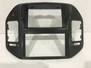 2001 06 Mitsubishi Montero Limited 4x4 Center Radio Bezel