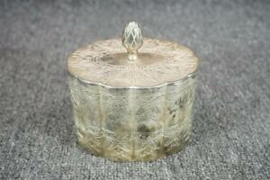 4 5 Wide Oval Silver Plated Trinket Box With Felt Lining Vintage