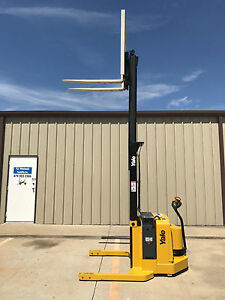 2006 Yale Walkie Stacker Walk Behind Forklift Straddle Lift Only 2441 Hours