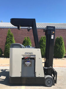 2006 Crown Rc 3020 30 Forklift Stand Up Electric Reconditioned Battery Nice