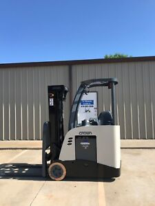 2011 Crown Rc 5530 30 Forklift Stand Up Electric Nice Dock Stocker Forklift
