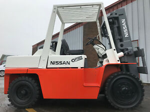 Nissan 8000lb Diesel Pneumatic Forklift With 4 Way Hydraulics