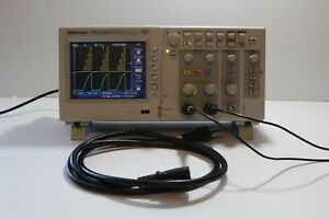 Tektronix Tds2012b 100mhz 1gs s Color Digital Storage Oscilloscope Dso Tds 2012b