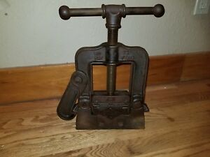 Lqqk Vintage Reed Mfg Co Erie Pa No 72 Pipe Clamp Vise 3 Base 2 5 Jaw