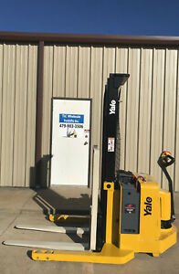 2003 Yale Walkie Stacker Walk Behind Forklift Straddle Lift Only 792 Hours