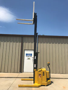 2005 Yale Walkie Stacker 24 Volt Straddle Walk Behind Forklift 153 Lift