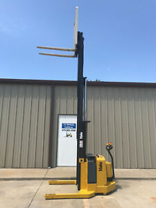 2005 Yale Walkie Stacker 24 Volt Straddle Walk Behind Forklift 72 153 Lift