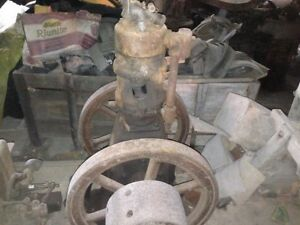 Rare Ihc International 2 Hp Vertical Hit Miss Gas Engine
