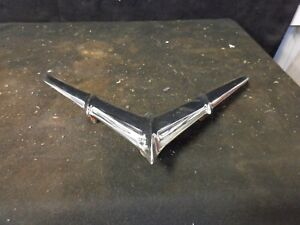 1955 Pontiac Chieftain Hood Ornament 519309 Blc