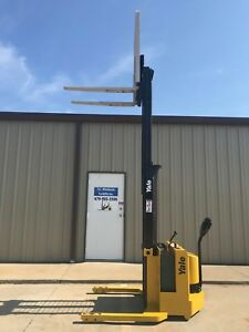 2000 Yale Walkie Stacker 12 Volt Straddle Walk Behind Forklift