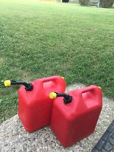 2 Blitz 5 Gallon Plastic Vented Gas Fuel Can Spout With Yellow Cap Vented