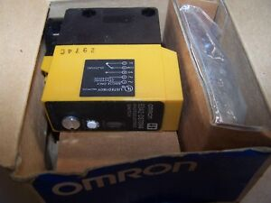 New Omron Photoelectric Switch 24 240 Vac 12 240 Vdc E3a2 ds70m4