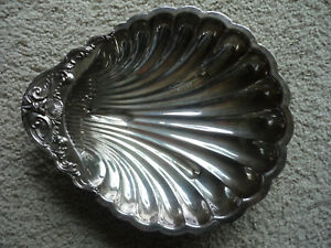 F B Rogers Silver Co Antique Silver Plate Clam Shell Serving Dish No 1730
