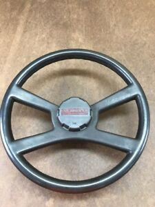 88 94 Chevrolet Gmc Truck Suv Complete Steering Wheel With Horn Cap Oem