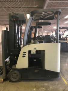 2007 Crown Rc5545 40 Stand up Quad Stage Forklift With Battery