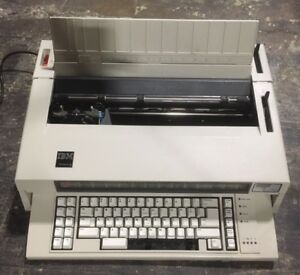 Ibm Wheelwriter 674x Electric Typewriter Year 1984
