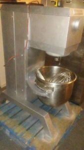 Vulcan 60 Qt Dough Mixer With Bowl Paddle And Whip