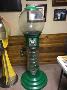 Road Runner Green Spiral Gumball Vending Machine With Keys Pickup Bayport Ny
