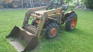 Kubota 4wd Tractor And Loader