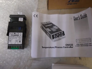 Omega Temperature Process Controller Cn132 24 New Free Shipping