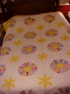 1930s Pieced Quilt Dresden Plate In Feedsack Yellow Sunflowers