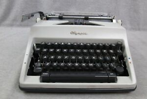 Vintage Olympia Deluxe Sm 9 1969 Manual Typewriter Case Made In Germany