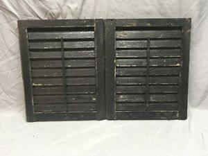 Small Pair Antique House Window Wood Louvered Shutters 19x16 Shabby Vtg 361 18e