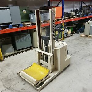 Soosung Swr 1300 Electric Fork Lift 24vdc 76 Mast 4 5km h Travel Speed New